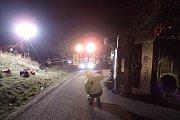 U nehody mixu s betonem poblíž Petříkova zasahoval i sací bagr.