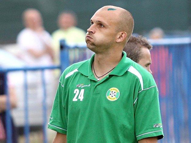 Jaromír Šilhan prožil zajímavou fotbalovou kariéru.  Zahrál si všechny soutěže od první ligy až po okresní přebor. Tady vdresu Sokolova poté, co jeho tým odsoudil ksestupu Kladno.