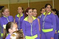 Vánoční přehlídka kladenských týmů aerobiku - Dancers a ČASPV, se v hale Bios mimořádně povedla a tři stovky diváků se výborně bavily vystoupení týmů všech věkových kategorií.