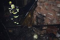 Požár opuštěného domu v obci Líský.