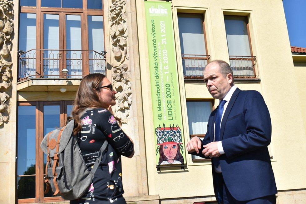 Virtuální Lidice mají být dokončeny do roka na 80. výročí vypálení obce. Jak sdělil Deníku ředitel památníku Eduard Stehlík, první domy již vznikají.