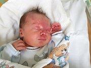 ANTONÍN HOLUB, SLANÝ. Narodil se 28. listopadu 2017. Po porodu vážil 3,46 kg a měřil 50 cm. Rodiče jsou Iva Olahová a Antonín Holub. (porodnice Slaný)