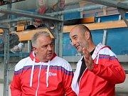 Slavnostní otevření zrekonstruované hokejbalové arény Kladno. Trenéři národních týmů - Drahomír Kadlec a Karel Manhart