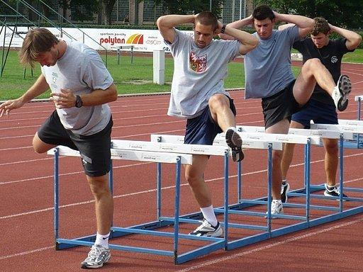 Před startem zámořských soutěží se Kladeňáci připravují i v areálu Sletiště.