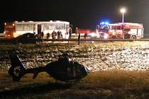 Havárie autobusu a osobního automobilu u Pavlova.