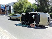 Silnice před OC Central v ulici Petra Bezruče v Kladně byla nějakou dobu zcela neprůjezdná.