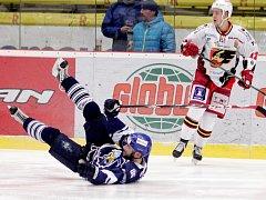 Kladno se v Prostějově ocitlo na kolenou, Peter Jánský na zádech...