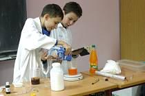 Noc vědců se ve slánském gymnáziu konala už popáté.