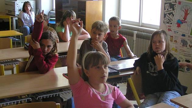 Všichni ze třídy se již se šikanou setkali. Někteří byli obětmi, jiní šikanovali sami.