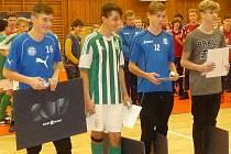 Nejlepší hráči Sport Invest Cupu 2017 včetně kladenského Martina Klimta (vlevo)