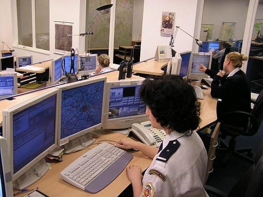 Čas, který operátoři ztratí falešnými telefonáty, může chybět jinde.