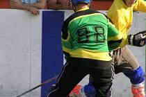 Martin Bálek (ve žlutém) dal dva třebízské góly.