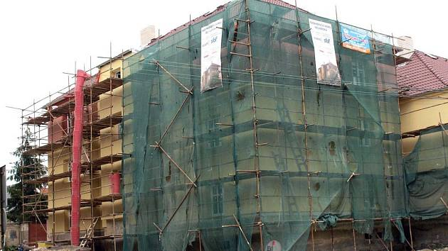 Rekonstrukce objektu ve Velvarské ulici.