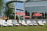 Sluneční terasa už je v provozu a sportovní den bude v sobotu.