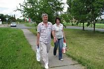 Chodník v průmyslové zóně Kladno-Jih dle dokumentace vůbec neexistuje. Lidé si ale přejí, aby tam bylo už konečně bezpečno.