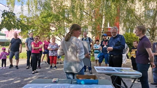 Setkání s občany v Kročehlavech u podjezdu.