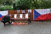 Uctění památky českých hokejistů.