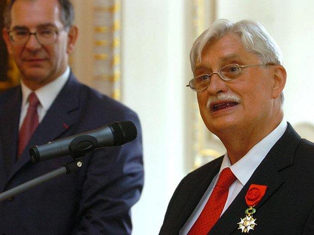 Jiří Dientsbier zemřel 8. ledna 2011 v pražské vinohradské nemocnici.