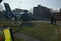 V Kladně u opařeného dítěte zasahoval vrtulník.