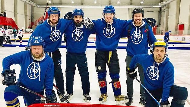 PZ Kamrdlík si zahráli na MČR v rybníkovém hokeji.