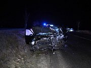 Vážná dopravní nehoda na silnici II/606 mezi Tuchlovicemi a Kamennými Žehrovicemi.