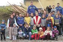 Plchovští se o víkendu sešli, aby pomohli vylepšit životní prostředí ve své obci. Už nyní je zřejmé, že výsadbou listnáčů přispěli ke zdravé budoucnosti svých potomků.