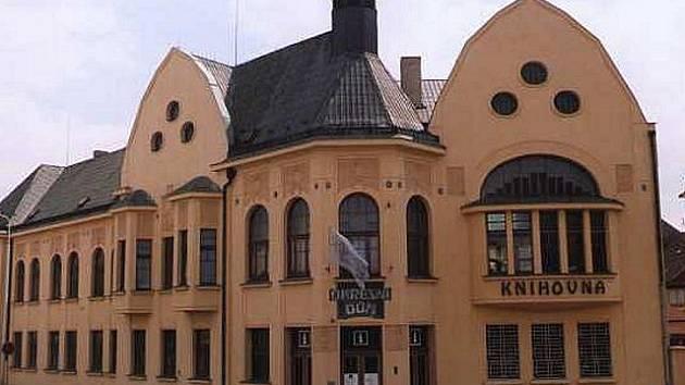 Středočeská vědecká knihovna v Kladně.