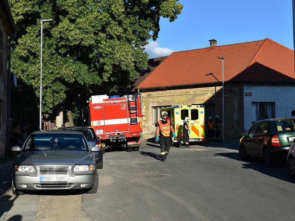 K vážné dopravní nehodě, při které se velmi vážně zranilo čtyřleté dítě, došlo v neděli okolo 19. hodiny v Libušíně.