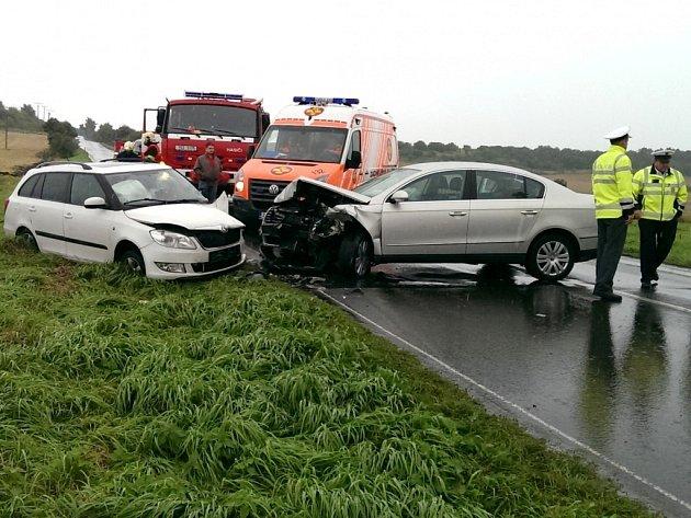 Dopravní nehoda u Želevčic na Slánsku.