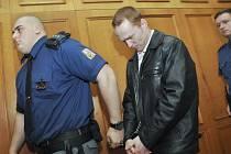Za zabití majitele kradeného auta soud potvrdil 18,5 roku.