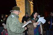 Společně s Deníkem si lidé zazpívali koledy i v Lánech.