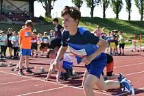 Den s českou atletikou na stadionu ve Slaném.