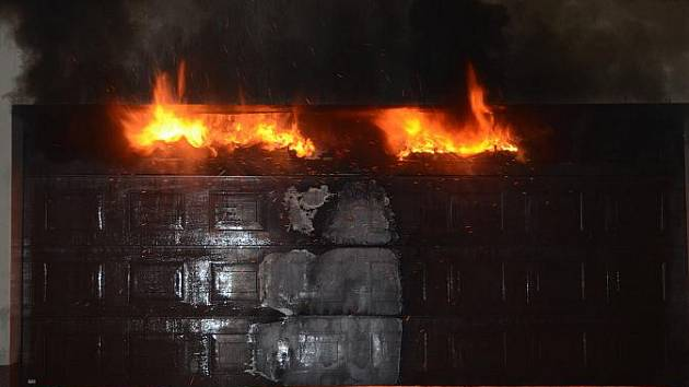 Požár garáže v Kladně