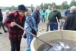 Jan Přeučil pobavil návštěvníky výlovu rybníka U Jelena