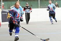 Kladno hostilo 23.- 24. 8. 2014 hokejbalový turnaj veteránů. (Kladno - Plzeň Třemošná)