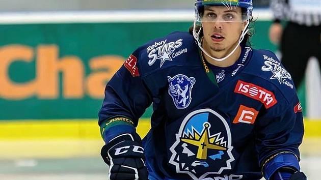 Hokejista Zachary Frye v barvách kladenských Rytířů.