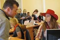SOUČÁSTÍ DNE STŘEDOČESKÉHO KRAJE ve Středočeské vědecké knihovně v Kladně byla také registrace nových čtenářů zdarma, tvořivé dílny pro děti nebo možnost prohlédnout si jindy veřejnosti nepřístupná místa knihovny.