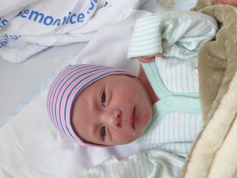 Martin Řehák se narodil 7. ledna 2021 v kolínské porodnici, vážil 3070 g a měřil 49 cm. Ve Starém Kolíně ho přivítala sestřička Vanesa (2.5) a rodiče Simona a Martin.