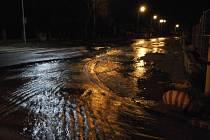 Voda nakonec žádné větší škody nenapáchala.