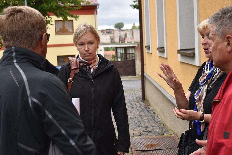 Maminka Helena Nováková. Netestování žáků považuje vůči ostatním za sobecké.