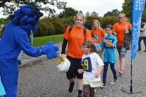 Desítky běžců, koloběžkářů i hendikepovaných sportovců se v sobotu postavilo na start už pátého ročníku tradičního Běhu míru Kladno - Lidice. Trasa závodu, který si oblíbily i děti, měřila osm a půl kilometrů.