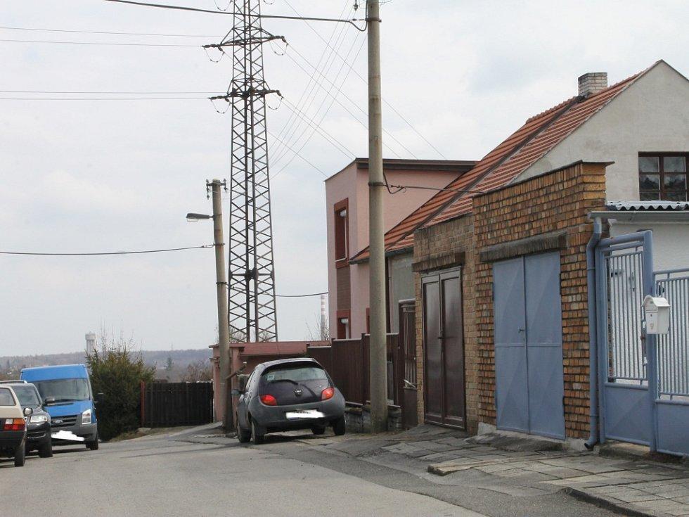V bydlišti příbuzných Antonie Chrástecké z Kladna je naprostý klid. Rozruch způsobili v sousedství maximálně televizní štáby a novináři