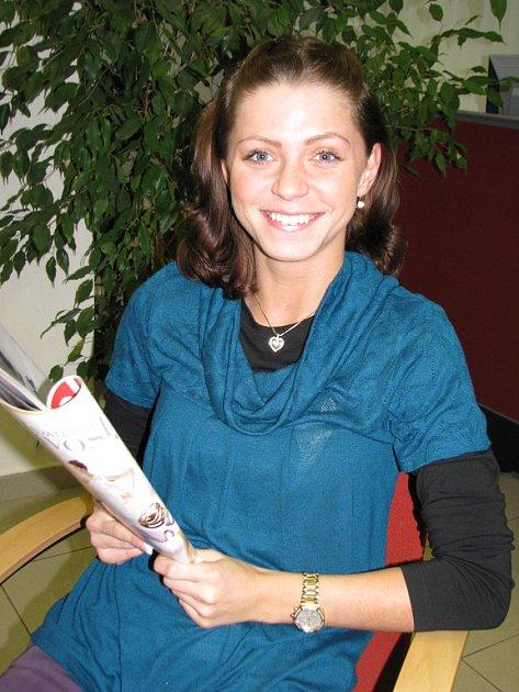 Alena Zdvihalová z Libušína se uchází o titul v soutěži Miss Academia 2009 pořádané Baťovou akademií Zlín.