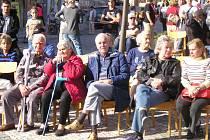 KOALICE A OPOZICE jsou v Unhošti rozděleny na dva nesmiřitelné tábory. Lidé z Unhoště by si jistě přáli, aby se vztahy urovnaly a politici více spolupracovali v jejich prospěch.