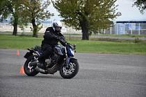 Výuka bezpečnosti motorkářů ve Slaném.