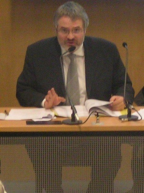 Kladenský primátor Dan Jiránek se pravděpodobně utká o senátorské křeslo s Jiřím Dienstbierem.
