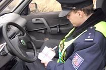 Chybějící policisty by mohla pomoci nahradit hospodářská krize, v níž je očekáván růst nezaměstnanosti. Policie má zájem o středoškoláky i vysokoškoláky.