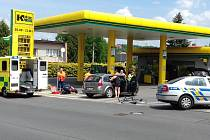 Ve Švermově srazilo auto cyklistu.