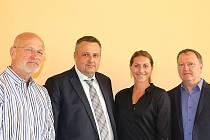 Zleva šéf mítinku Zdeněk Lubenský, primátor Kladna Milan Volf, hlavní hvězda Eliška Klučinová a předseda AC Tepo Jiří Klesnil