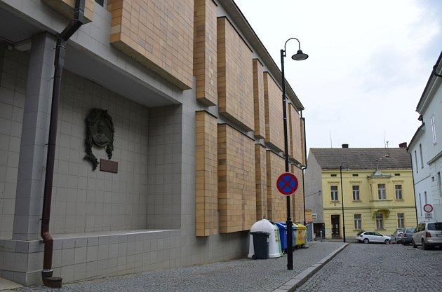 7. zastavení – Fričova ulice č.p. 148.Vtomto domě se narodil Josef František Frič.